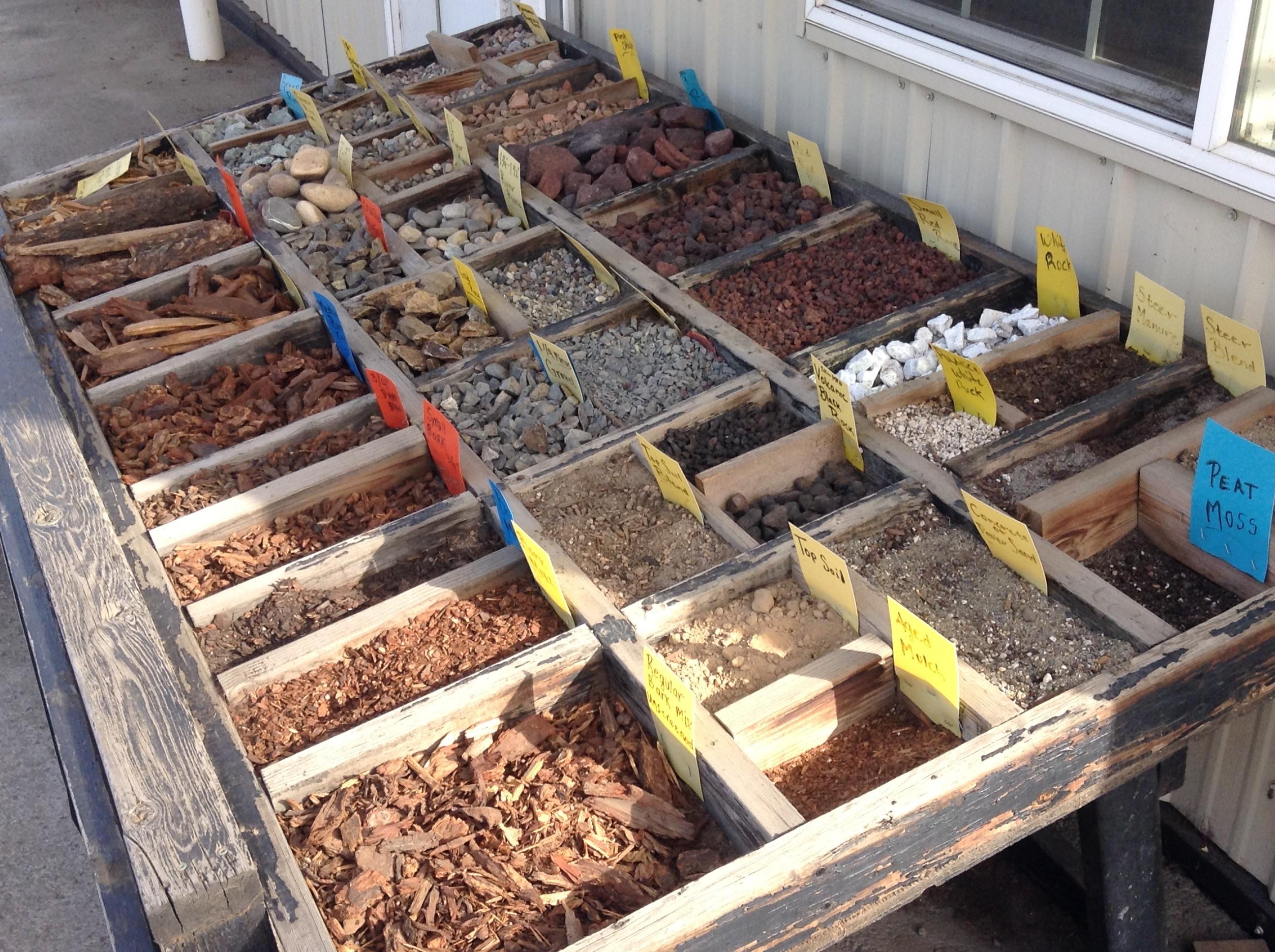 bulk landscaping soil topsoil blends mulch gravel